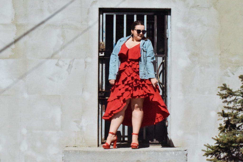 czerwona sukienka bonprix plus size